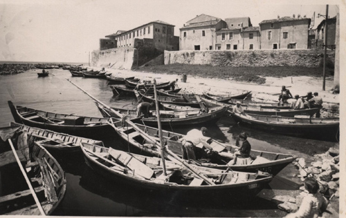 1949-meze-le-port-des-barques-b.jpg